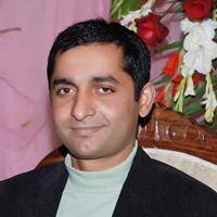 Malik Shahzad donne de la nourriture et des vêtements aux plus démunis